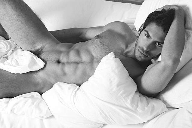 A Gay's Step By Step Guide To Lure A Straight Man To Bed