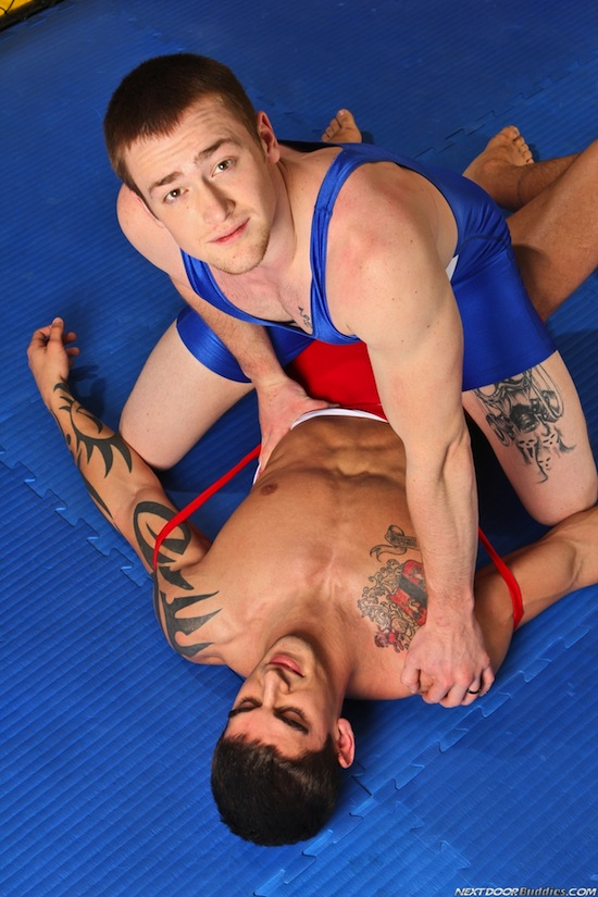 Gay Wrestler Sex (1)