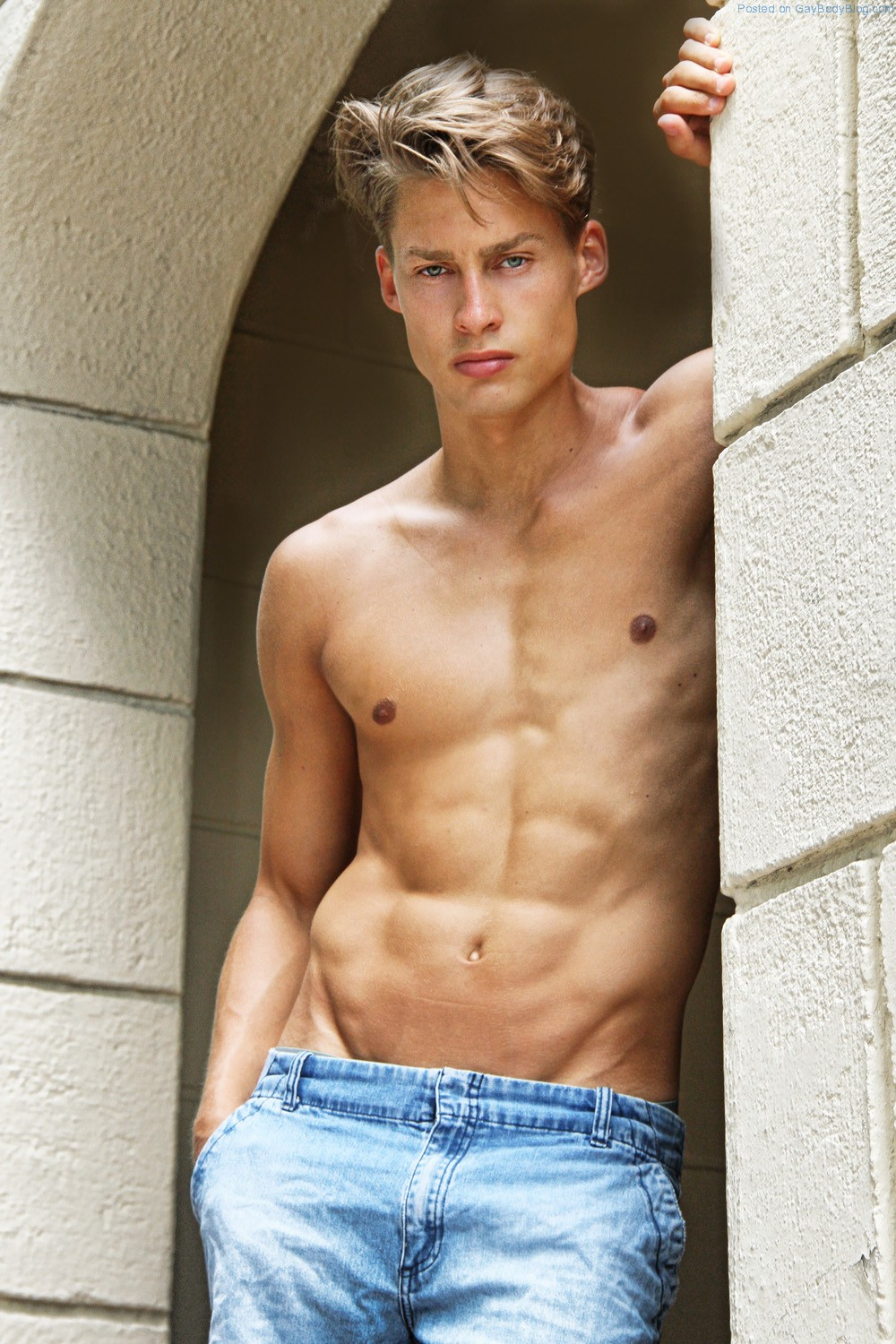 Cute And Fit Newcomer Ulrik Nielsen - Gay Body Blog