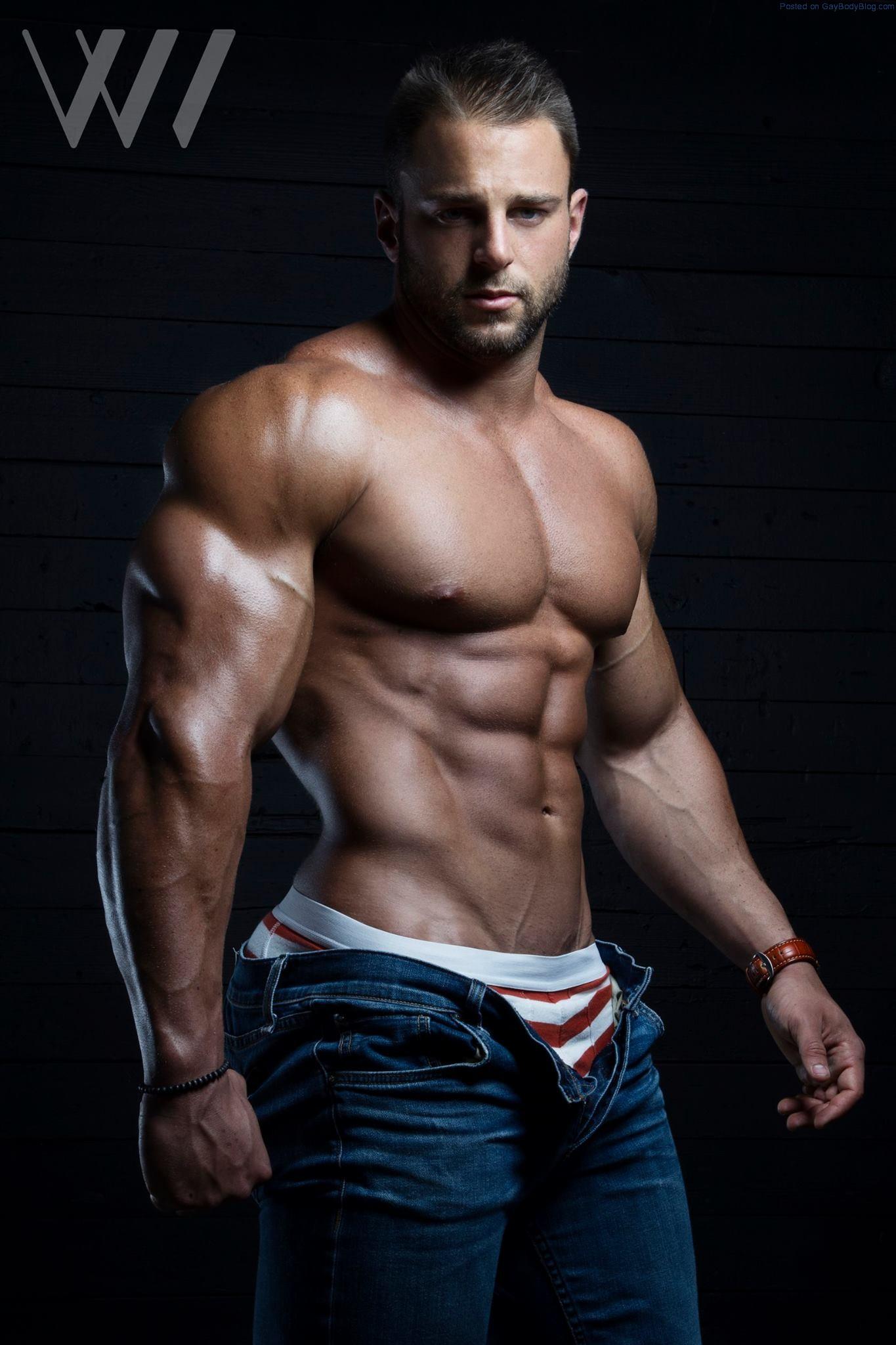 Muscle Hunk Eric Janicki By Eric Wainwright - Gay Body