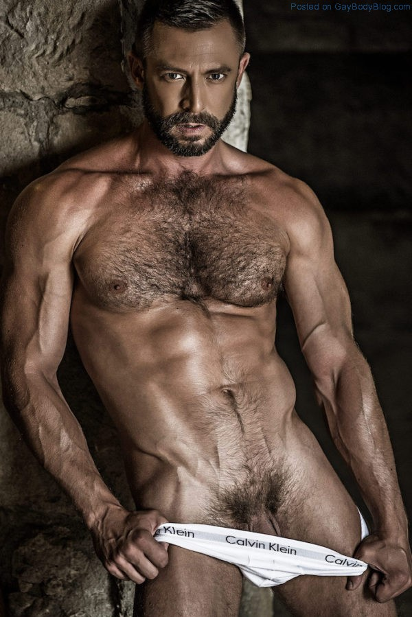 french-uncut-daddy-ludovic-grauser-gets-his-cock-out-1