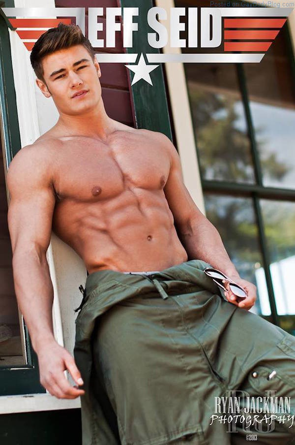 Musclebound Hunk Jeff Seid Is Getting Bigger - Gay Body