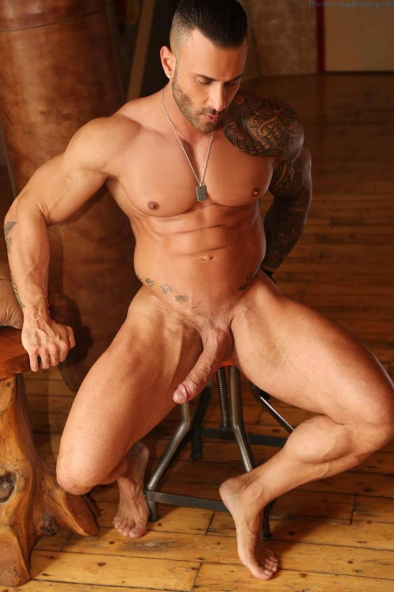 Naked Muscle Men Gay Porn Stars