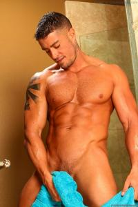 Cody Cummings Naked And Delicious!