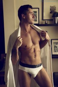 Jay Roberts Nude - Thomas Synnamon