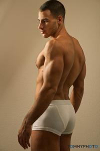 Gay Body Blog - A Gay Blog observing the male body in its beauty and ...
