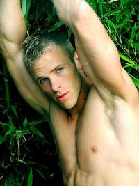 Gabe Johansen: Beautiful Amateur Male Model